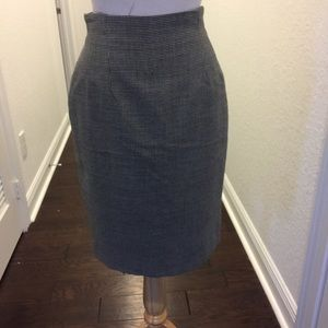✨Evan Picone -Sz-4 Grey Pencil Skirt-✨
